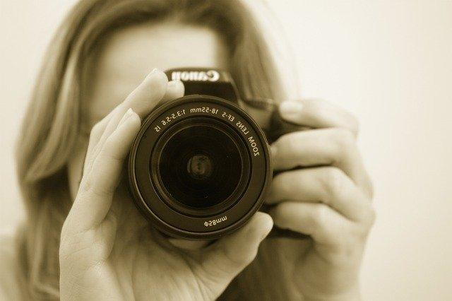 pierwszy aparat fotograficzny